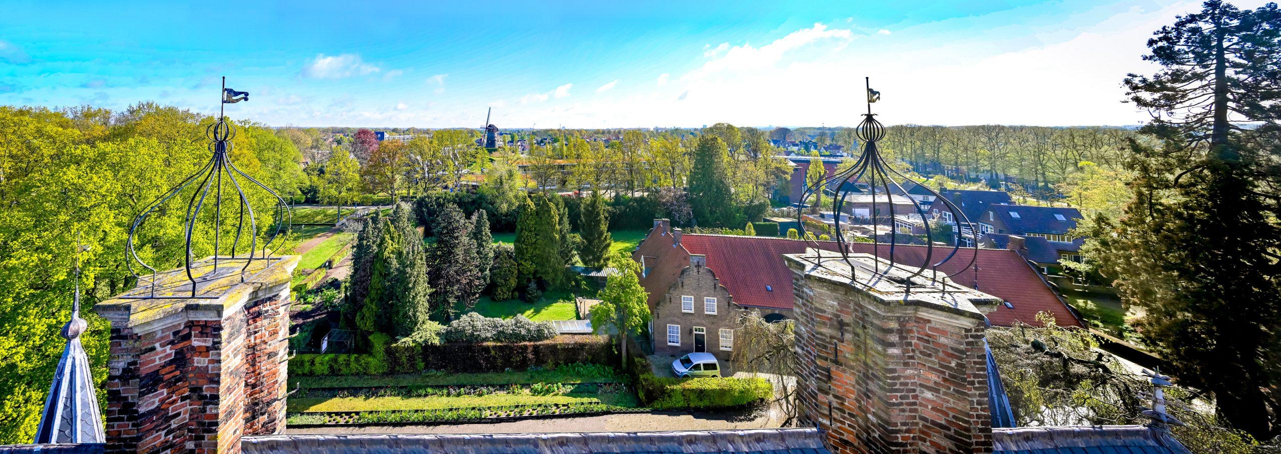 Kasteel-Wijchen-uitzicht-toren-op-molen-scaled